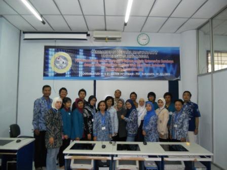 Pengabdian Masyarakat Pembuatan Blog untuk Guru-guru Bahasa Inggris Kotamadya Surabaya dengan memanfaatkan Fasilitas Web Blog Guru Indonesia 30 Juli 2011