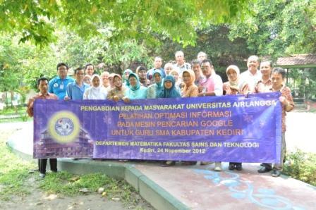 Pengabdian Masyarakat Pelatihan Optimasi Informasi pada Mesin Pencarian Google untuk Guru SMA Kabupaten Kediri 24 Nopember 2012