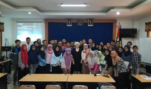 Kuliah Tamu Prof. Sue Mckemmish from Monash University